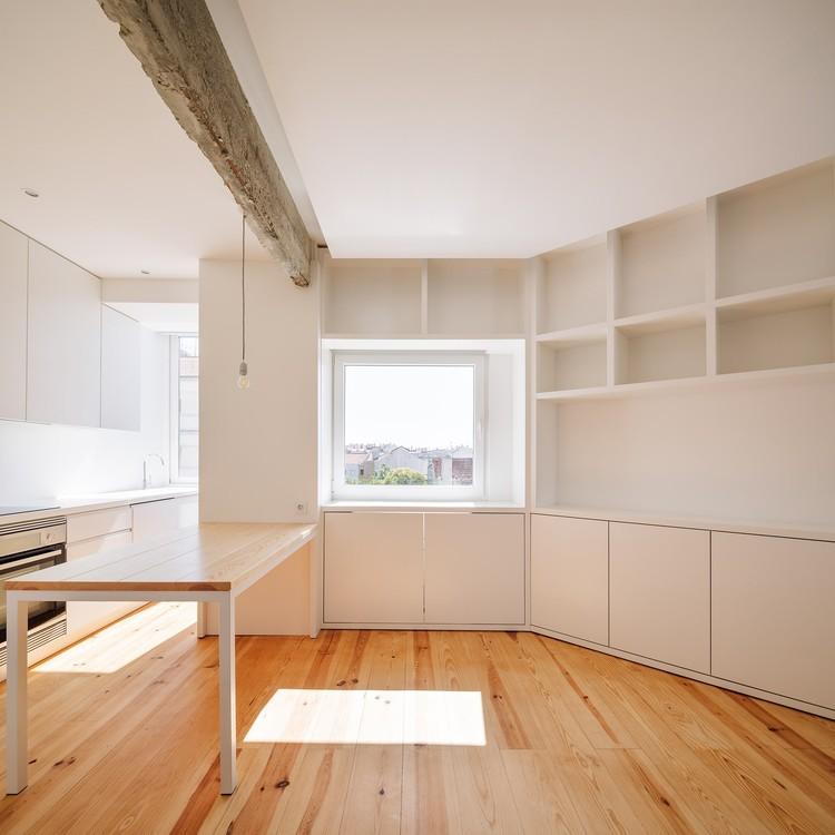 Apartamento Gilbert / Manuel Tojal Architects, © Francisco Nogueira