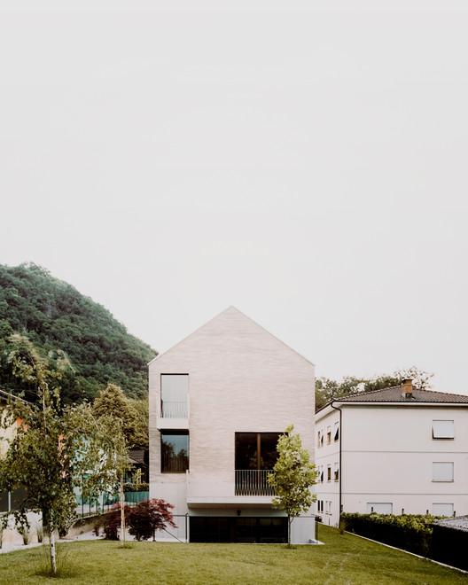Cà Ospiti House / Stocker Lee Architetti