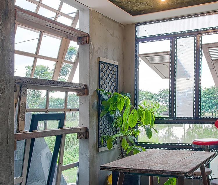 Obsolete House / Gayuh Budi Utomo. Image © Mansyur Hasan