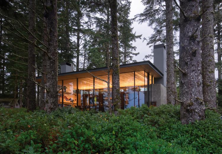 Casa de Veraneio Tofino  / Olson Kundig, © Nic Lehoux