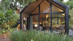 Cabanas Tiny House / Duda Porto Arquitetura