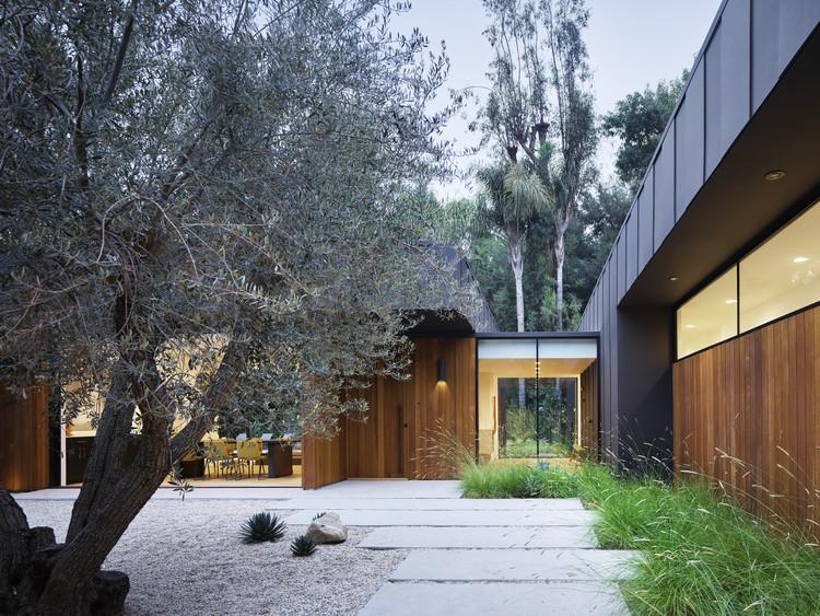 Laurel Hills Residence / Assembledge+, © Matthew Millman