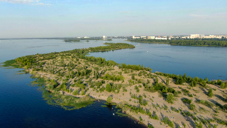 Pokrovskie Peski (Pokrovsky Sands) Island. Image Courtesy of Strelka KB