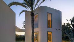 Anexo residencial a 3 metros de altura / WOHA by Antonio Maciá