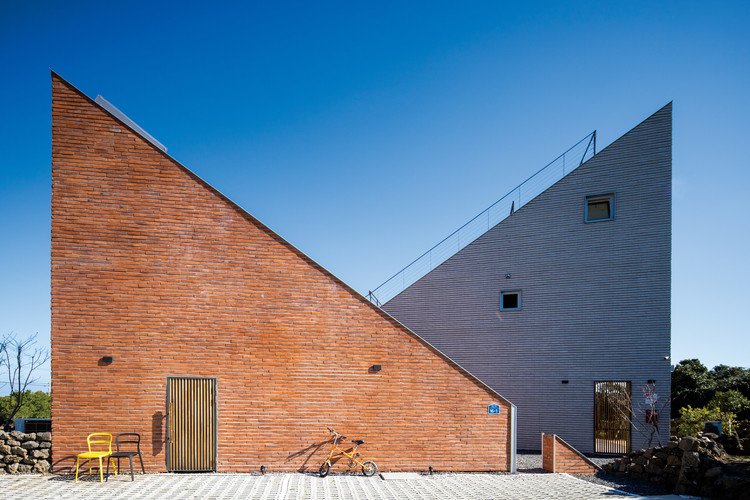 The Stair House / Formative Architects, © Youngsung Koh