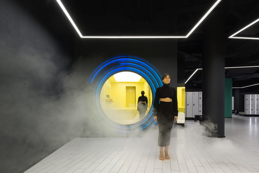 Kometa Black Fitness Club / YoYo Bureau