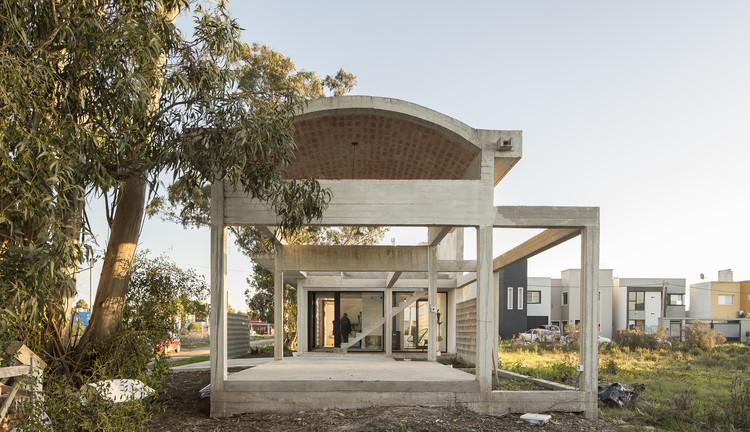 Casa Luisina / Reimers Risso Arquitectura, © Fernando Schapochnik