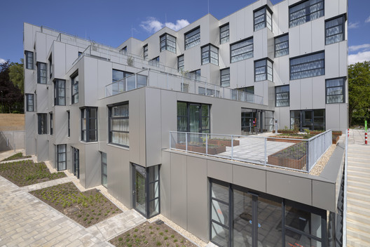 New Village Care Residence / DoepelStrijkers