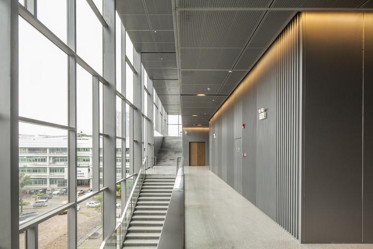 Interior. Image © Alex Chan
