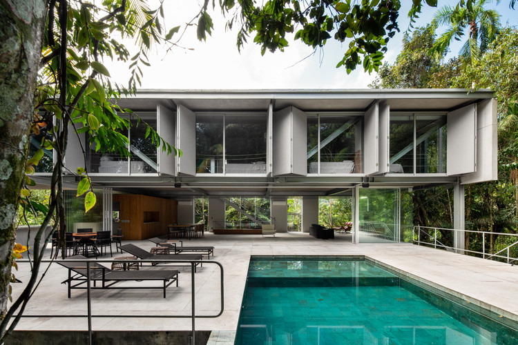 Casa Guarujá / Nitsche Arquitetos, © André Scarpa