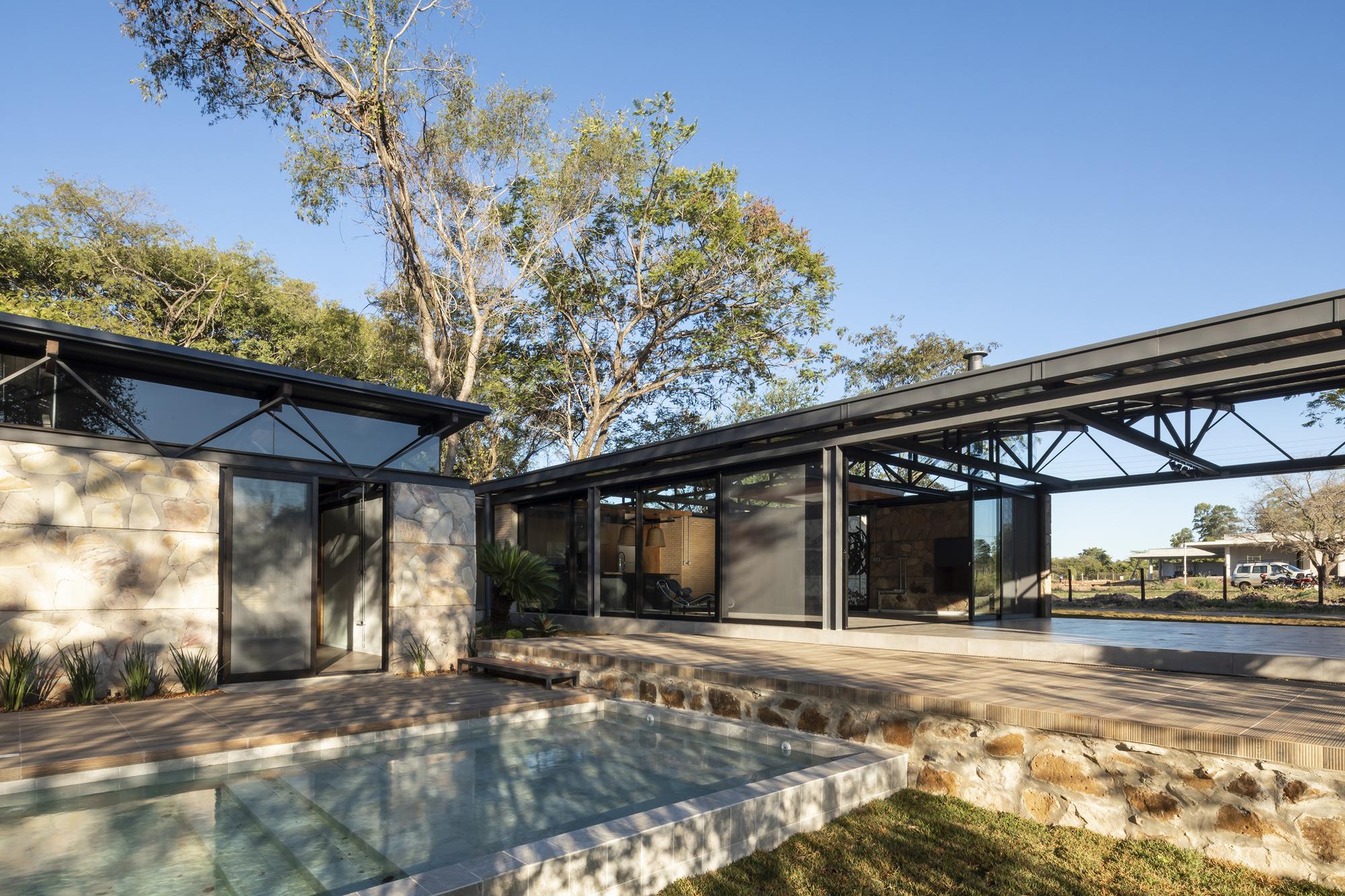 Stone House / Meraki Arquitectura + Diseño