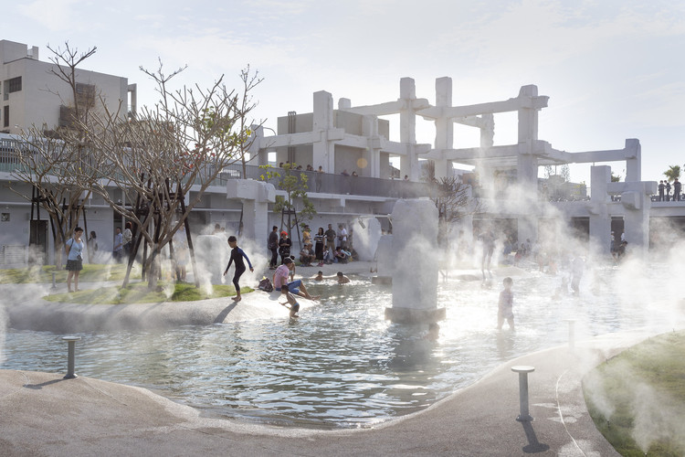 Revitalized Public Spaces: Fostering Human Connections in Cities , © Daria Scagliola