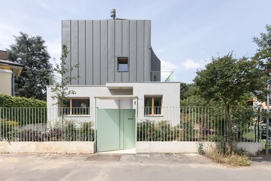 Segrate Villa / O A S I Architects