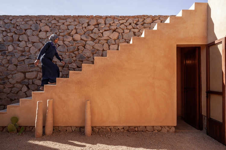 Shelter, Care and Gathering: 10 Architecture Projects Designed for Women, The Women's House of Ouled Merzoug / Building Beyond Borders Hasselt University. Image: © Thomas Noceto