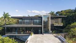 Casa Tres Amores / Studio Saxe