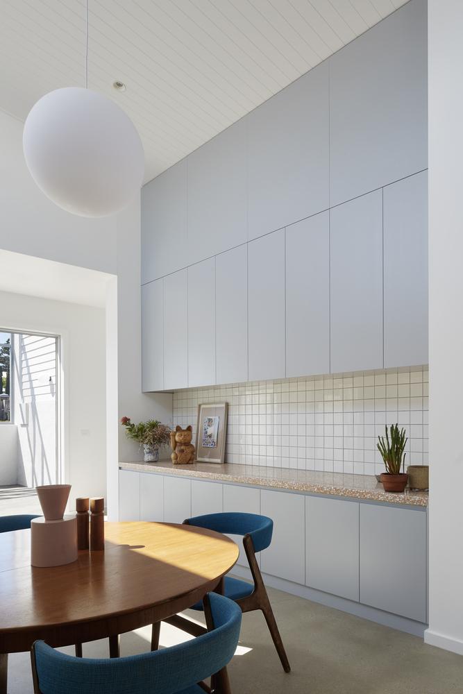 Tendencias en Diseño de Interiores 2020: Biofilia, Chubby y Fluidez,Hello Houses / Sibling Architecture © Christine Francis