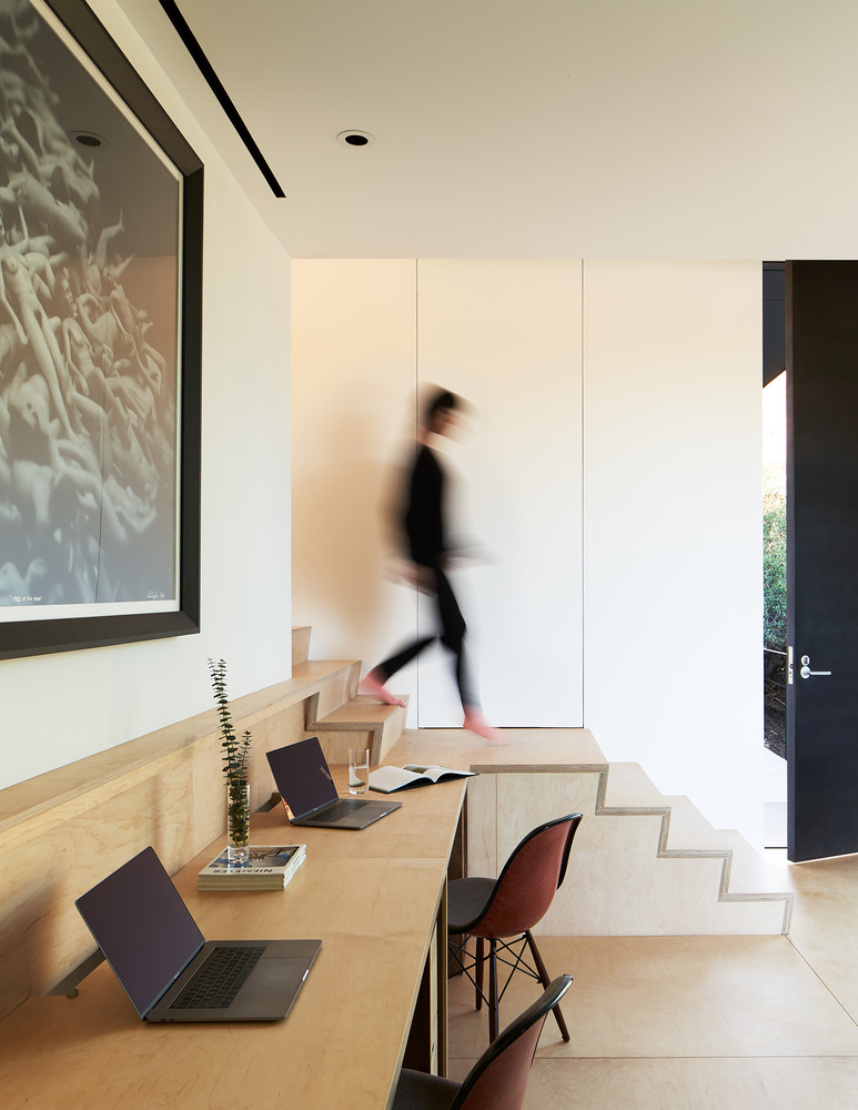 Tendencias en Diseño de Interiores 2020: Biofilia, Chubby y Fluidez,LR2 House / Montalba Architects © Kevin Scott