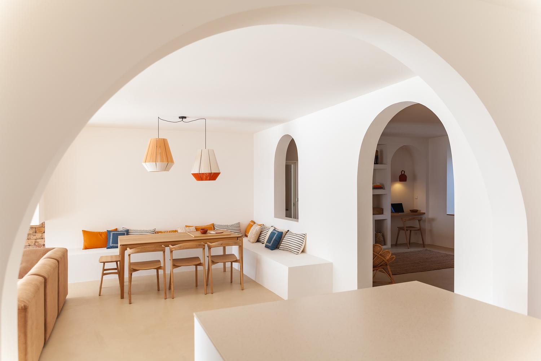 Tendencias en Diseño de Interiores 2020: Biofilia, Chubby y Fluidez,Santa Teresa House / Amelia Tavella Architectes © Thibaut Dini