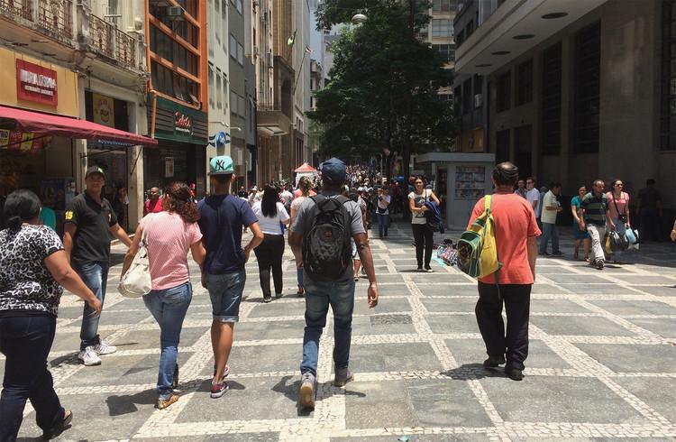 Andar a pé eu vou: como podemos defender cidades para pedestres?  , Cortesia de Cidade Ativa
