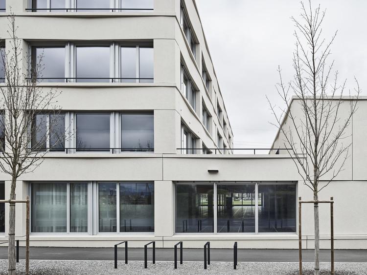 Lindau School Sports Building  / Schwabe Suter Architekten, © Damian Poffet