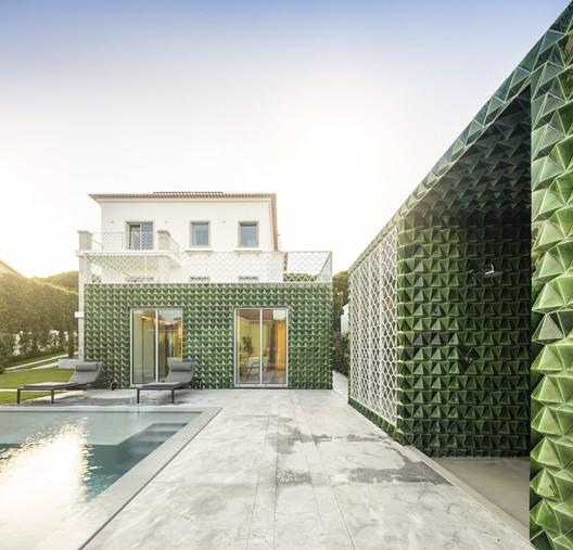House AD25 / João Tiago Aguiar Arquitectos