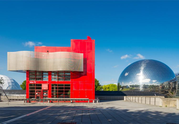 Parc de la Villette / Bernard Tschumi Architects. Image © Peeradontax | Shutterstock