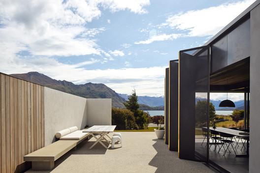 Te Pakeke Retreat / Fearon Hay Architects