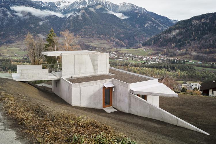 Casa em Thusis / Angela Deuber Architects, © Schaub Stierli Fotografie