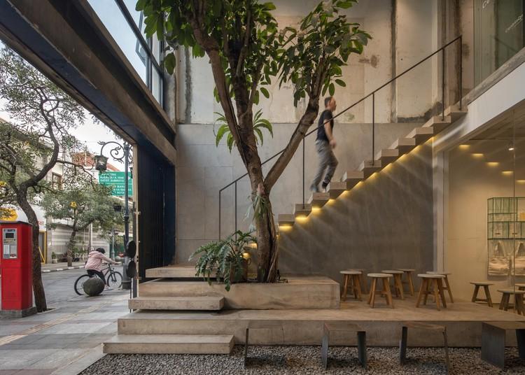 Sawo Coffee & Roastery  / Oi Architect, © KIE