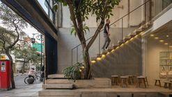 Sawo Coffee & Roastery  / Oi Architect