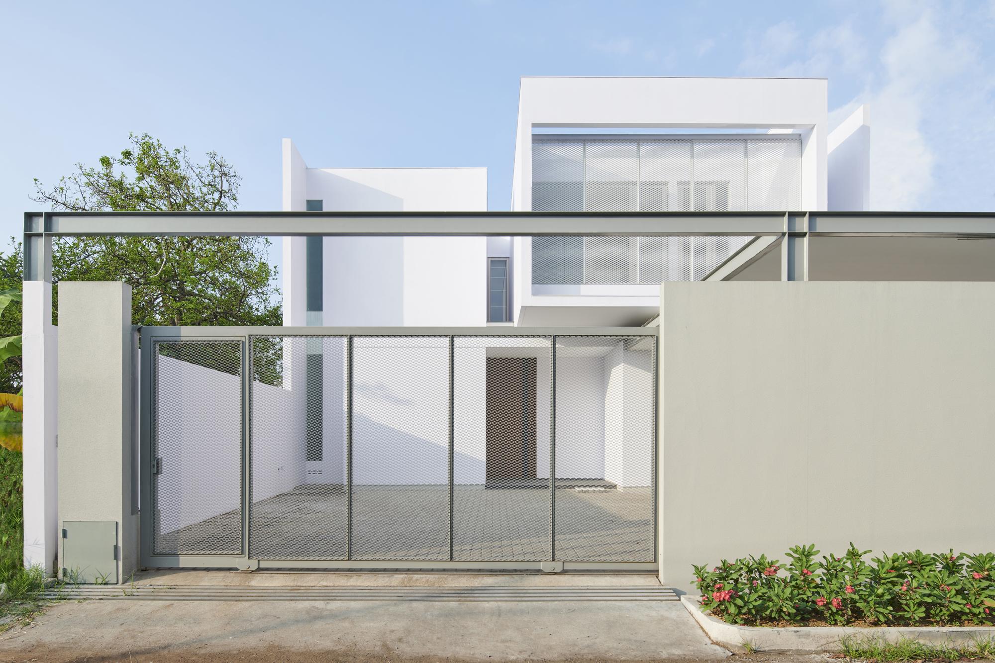 VY House / Rakta Studio