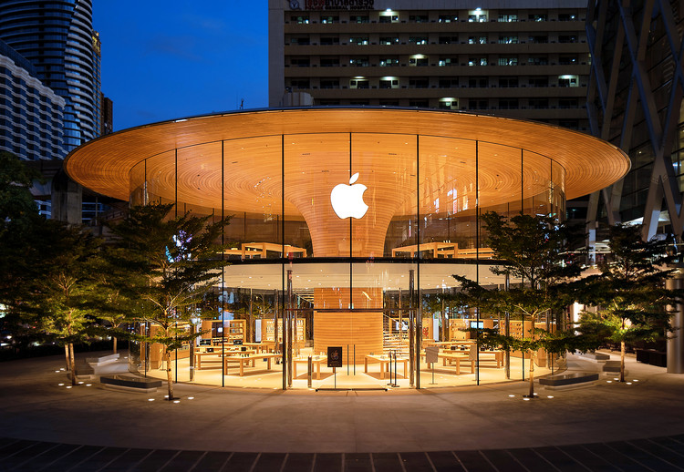 Apple Central World Bangkok / Foster + Partners, © Bear and Terry