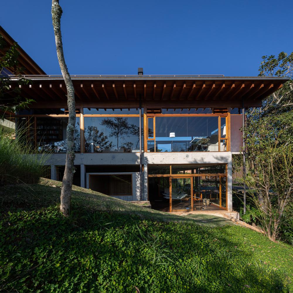 Residência em Santo Antônio do Pinhal / Gui Paoliello Arquiteto