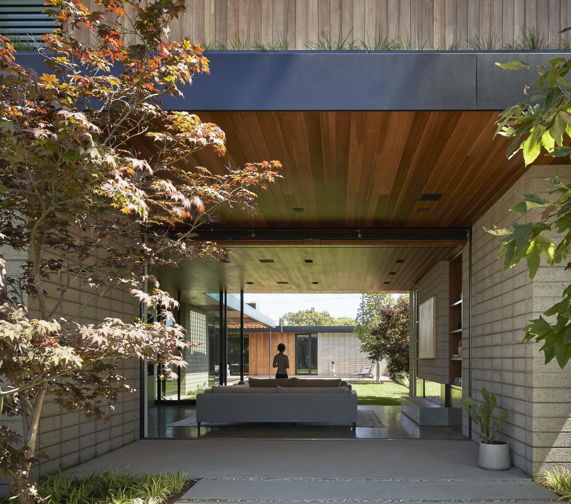 Venice Beach House / Montalba Architects