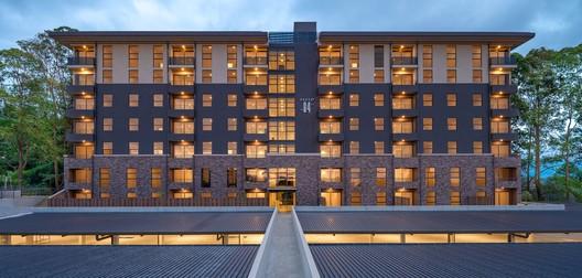 Edificio Nueve84 Curridabat / Zürcher Arquitectos