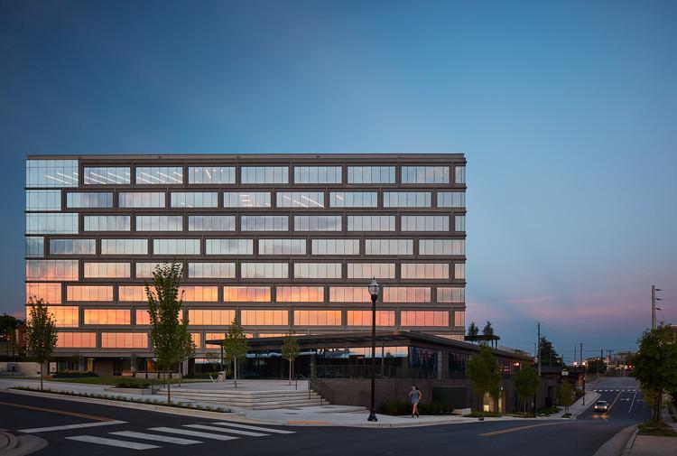 Peabody Plaza / HASTINGS Architecture, © Kendall McCaugherty © Hall + Merrick Photographers