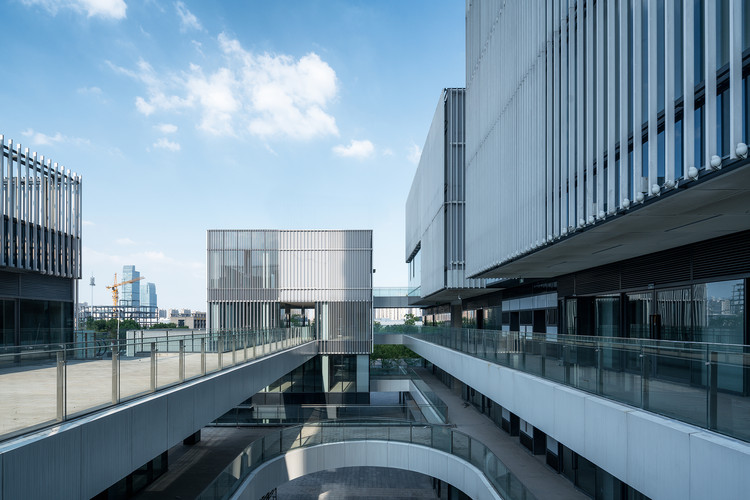 Cube Gallery Commercial Center / CLOU Architects, © Qingshan Wu