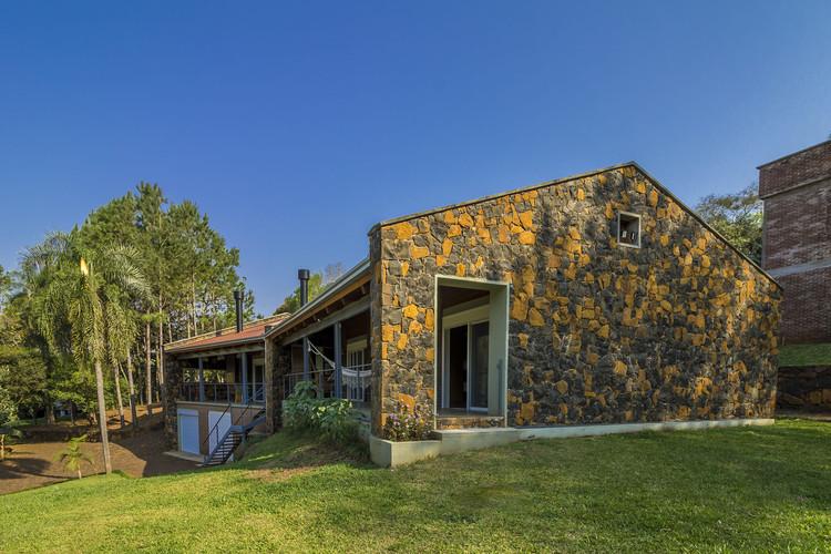 Residência das Pedras / Cuboverde Arquitetura Sustentável, © Gabriel Guimarães