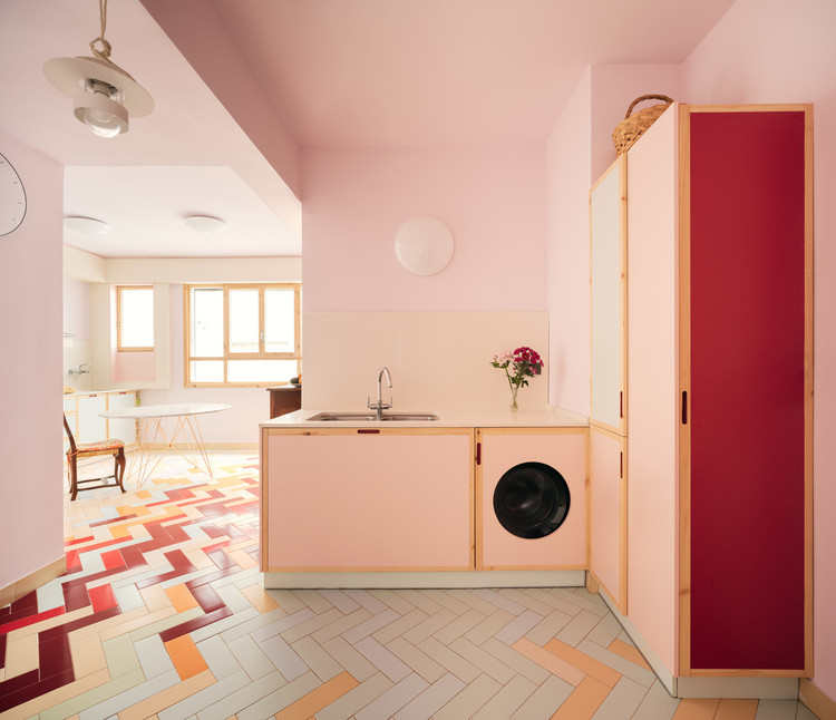 The Laundry Room as an Unnecessary Luxury (or Where to Place the Washer in the Modern Home?), Mixtape Apartment / AZAB. Image © Luis Diaz Diaz