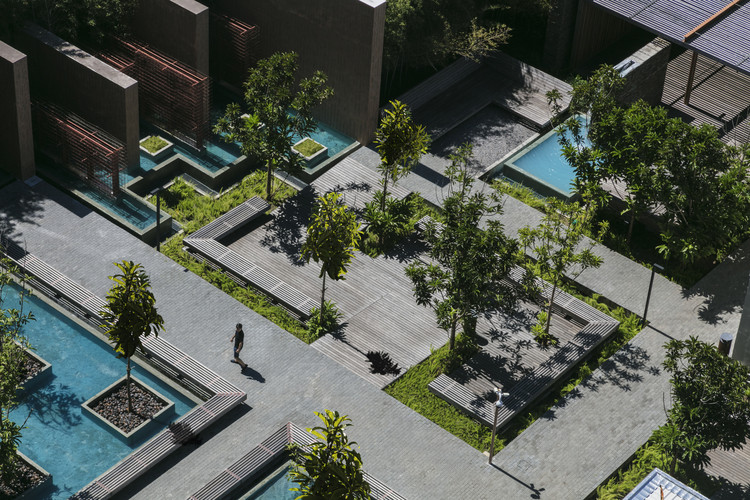 Gardens and Squares: 10 Examples of Small-Scale Landscaping in Brazil, UNIBRA IBGM / Hanazaki Paisagismo. Photo © Yuri Seródio