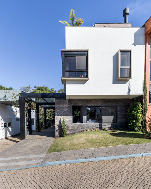 Casa RA / Oficina Conceito Arquitetura, © Marcelo Donadussi
