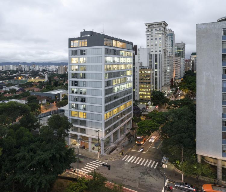 Edifício Rosa / AR Arquitetos, © Federico Cairoli