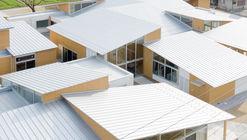 Taga Town Central Community Learning Center / Onishimaki + Hyakudayuki Architects