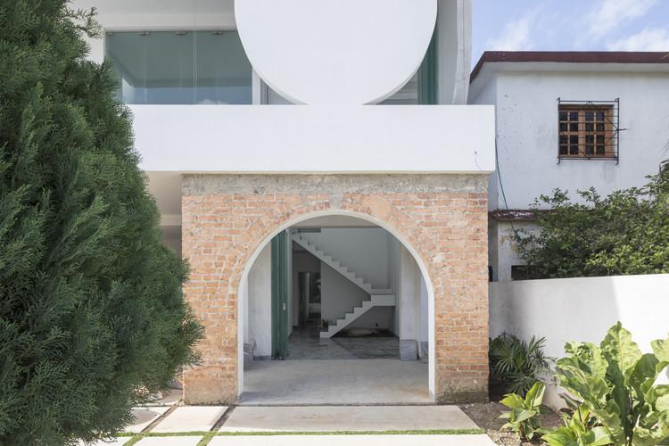Hostal Casa U / Albor Arquitectos, © Laurian Ghinitoiu