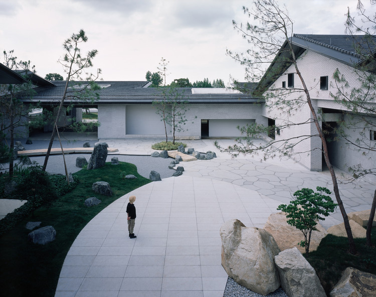 Passage of Time Garden / July Cooperative Company, Inner garden. Image © Hao Chen