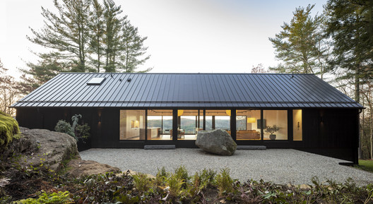 Casa Ledge / Desai Chia Architecture