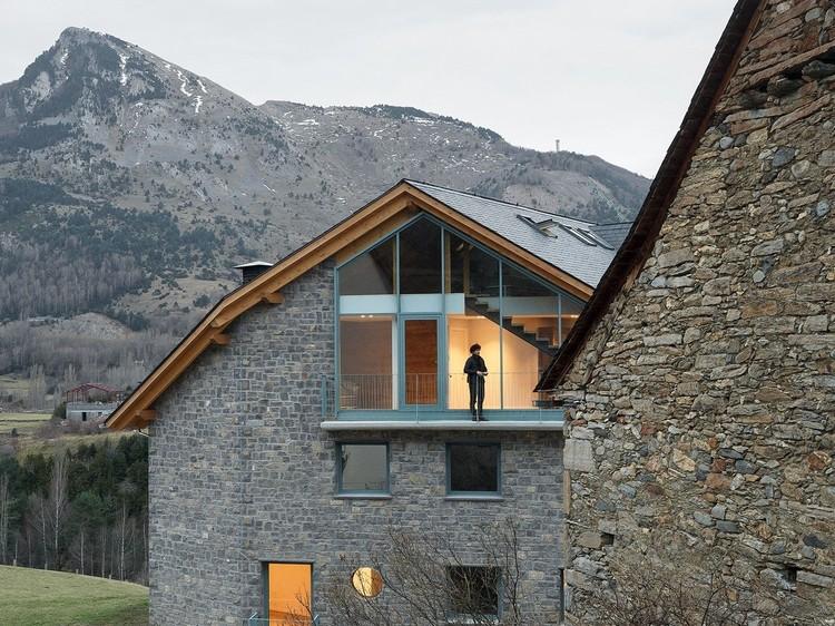5 Oficinas emergentes de Europa: De la arquitectura equitativa a la exploración de nuevos entornos, Viviendas Los Huertos / Ensalada Works + Architecture NRA. Imagen © Luis Díaz Díaz