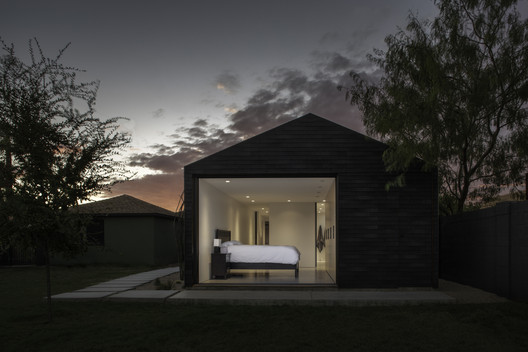 ShingleBox Extension / Benjamin Hall Design