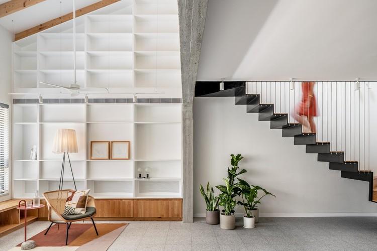 Extensão de Edifício Residencial em Tel Aviv  / RUST architects, © Yoav Peled