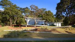 Casa Joy / Studio Rodrigo Ferreira